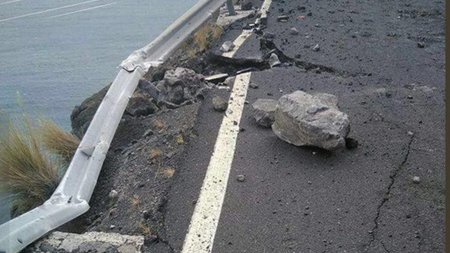 Desprendimientos en la carretera de La Aldea.