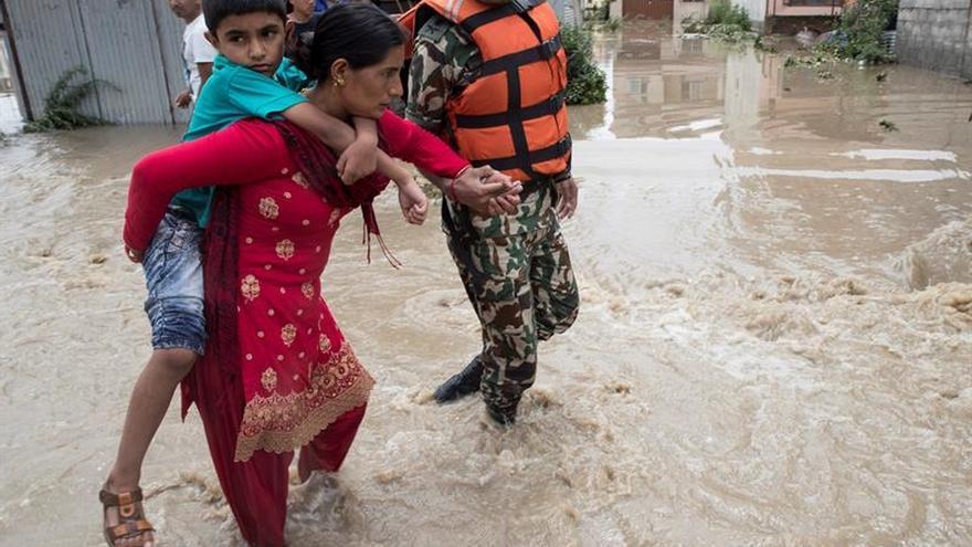 Al menos tres muertos y miles de afectados por las inundaciones en Nepal