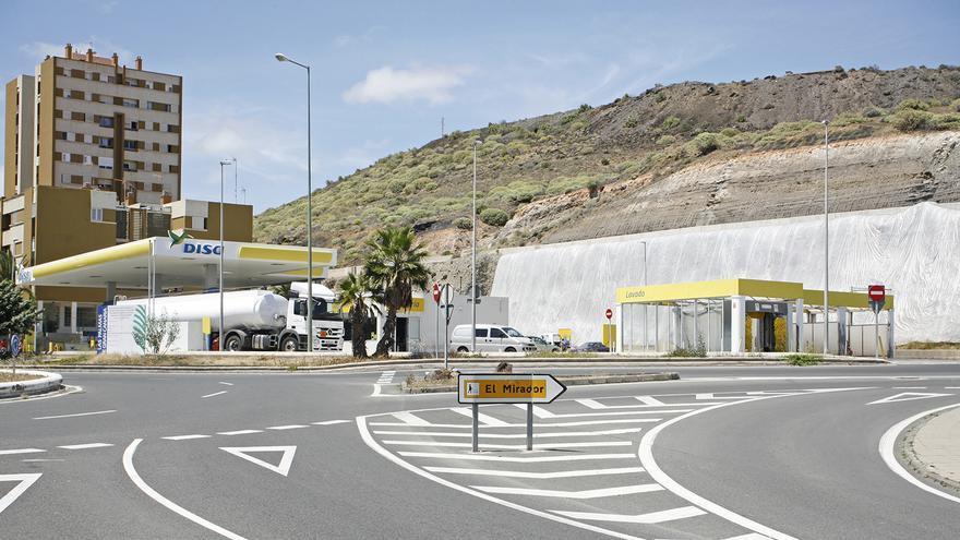 Estación de servicio de Disa en Jinámar. (ALEJANDRO RAMOS)