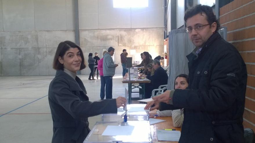 Martínez Bode ejerciendo derecho al voto
