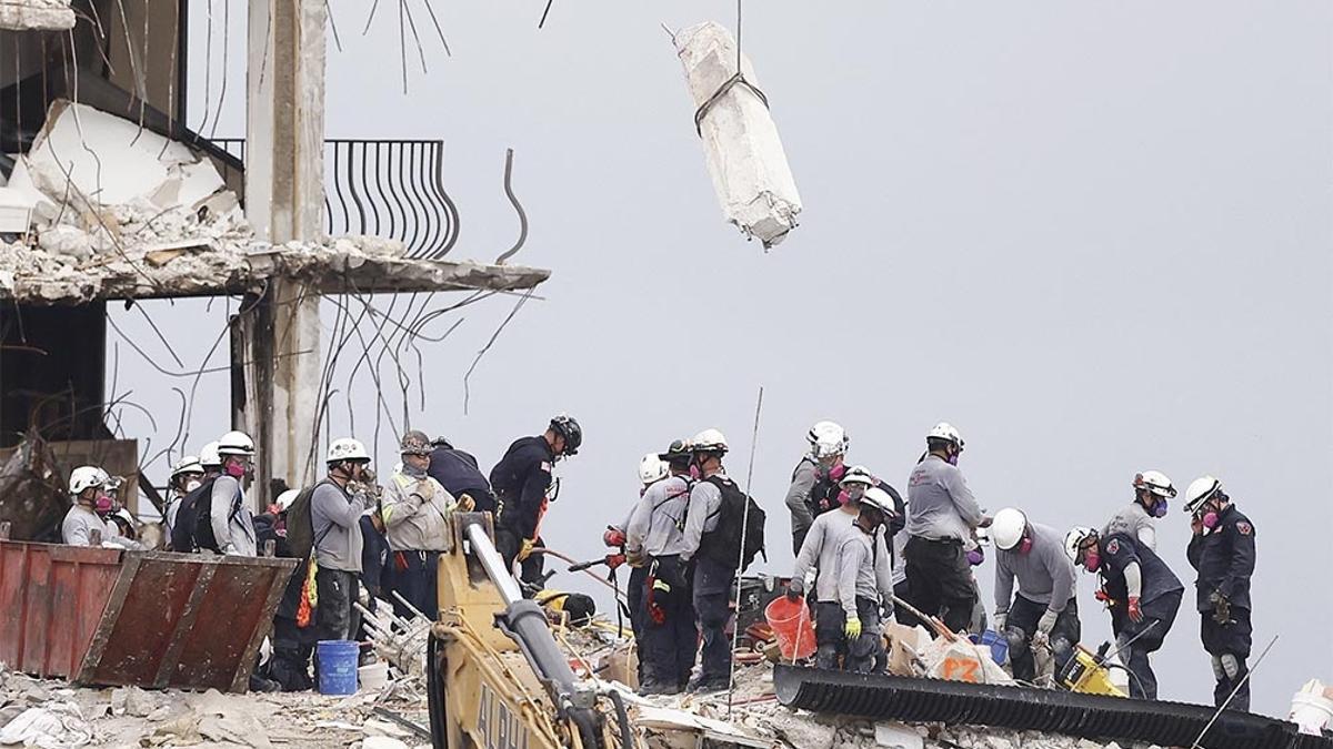 El trabajo de los rescatistas en el edificio derrumbado en Miami