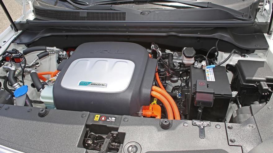 Motor del coche eléctrico.  (ALEJANDRO RAMOS)