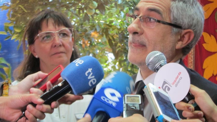 """Llamazares pide al PP dar una explicación pública a los ciudadanos porque su silencio es """"clamoroso y culpable"""""""