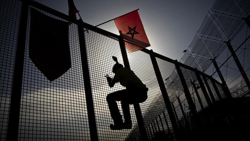 La Guardia Civil y Marruecos evitan la entrada masiva de mil inmigrantes a Melilla