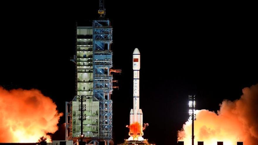 La misión tripulada china se separa del laboratorio espacial e inicia el retorno