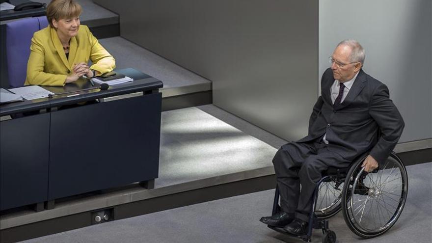 Merkel y Schäuble, en el Parlamento alemán.