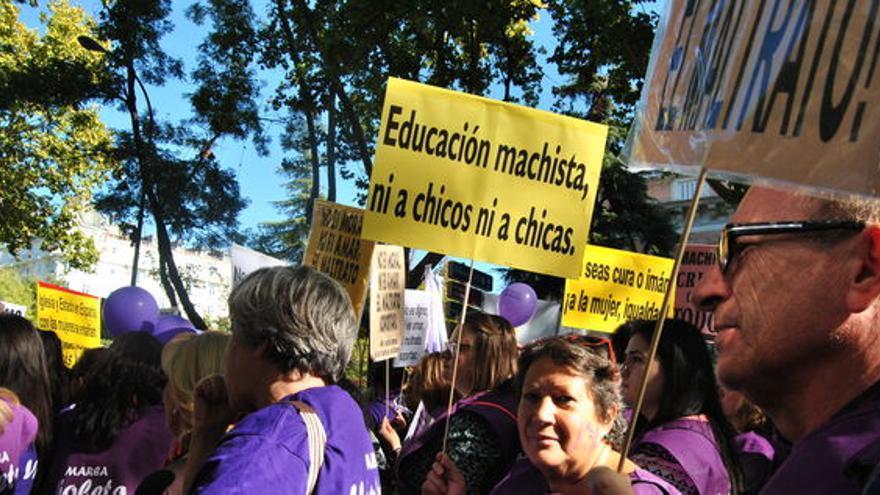 Hombres y mujeres en la marcha estatal contra las violencias machistas #7N. Mercedes Domenech