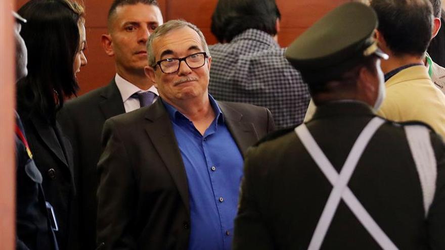 Líder de las FARC pide perdón por los secuestros en la primera cita ante la Justicia de Paz