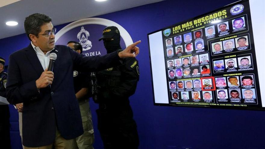 Hernández anuncia la captura de uno de los veinte delincuentes más buscados en Honduras