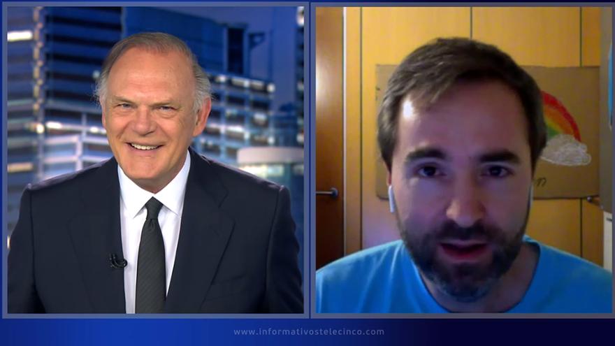 Pedro Piqueras y Raúl Pérez en 'Informativos Telecinco'