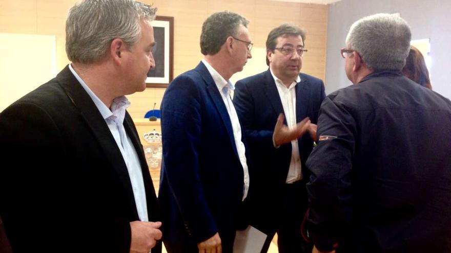 El presidente de la Junta, con el alcalde de Don Benito, segundo por la izquierda Fernández Vara José Luis Quintana