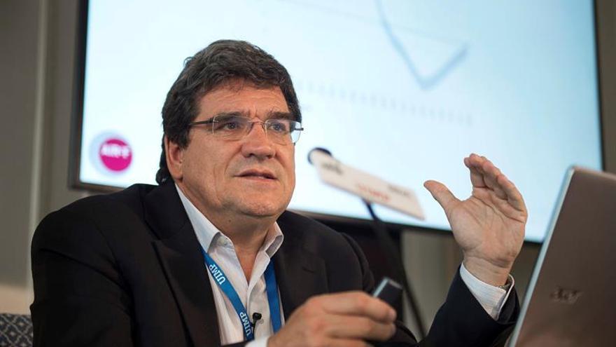 AIReF aboga por dar más competencias a los consistorios para aliviar a las autonomías