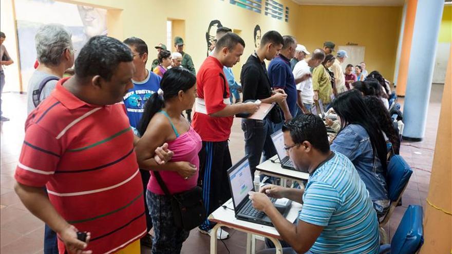 Los venezolanos en Panamá rezan para que las elecciones transcurran en paz