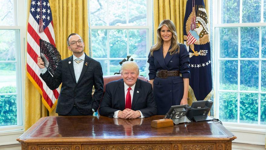 El profesor Nikos Giannopoulos en la fotografía junto a Donald Trump que se ha hecho viral.