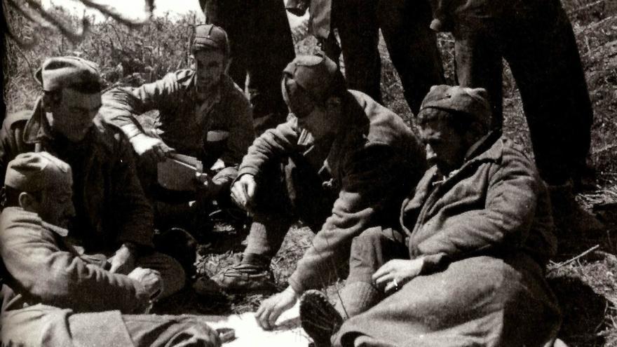 Miembros del Batallón Celta, de la CNT, en Larrabetzu