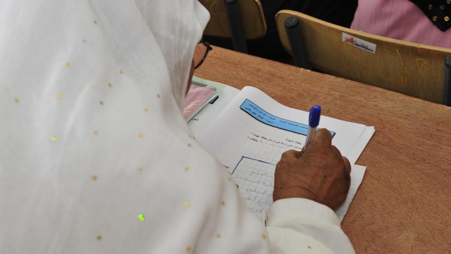 Desde 1993, la asociación IQRAA ha alfabetizado a más de 1'5 millones de argelinas / Fotografía: IQRAA