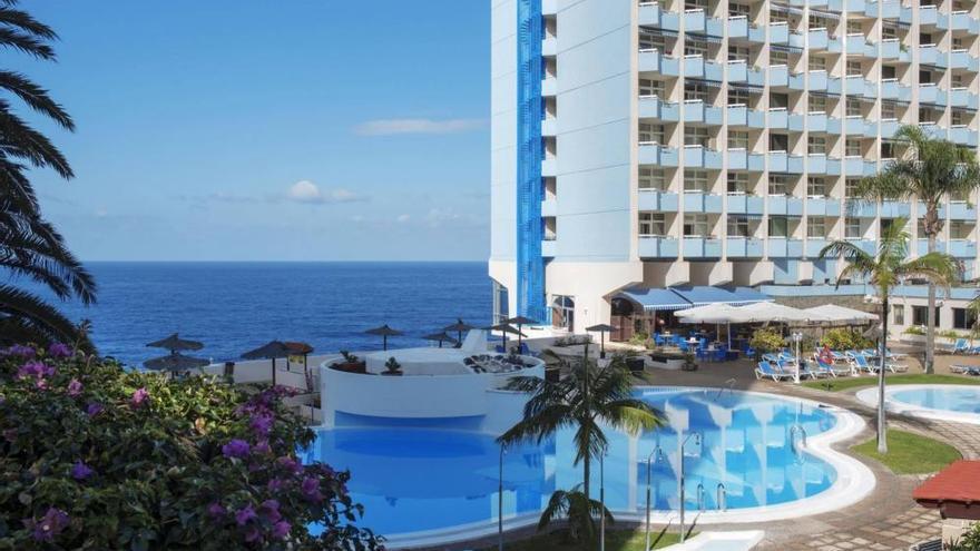 Imagen de las instalaciones del Hotel Maritim en la costa de Los Realejos, al norte de la isla de Tenerife