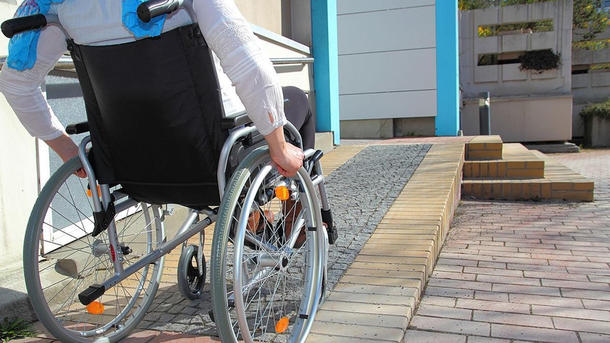 Según la ley de cupo laboral, la Administración Pública Nacional debe garantizar un 4% de los puestos a personas con discapacidad.