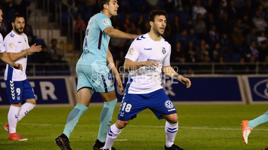 Lance del partido entre el Tenerife y el Barcelona B. (CD TENERIFE)