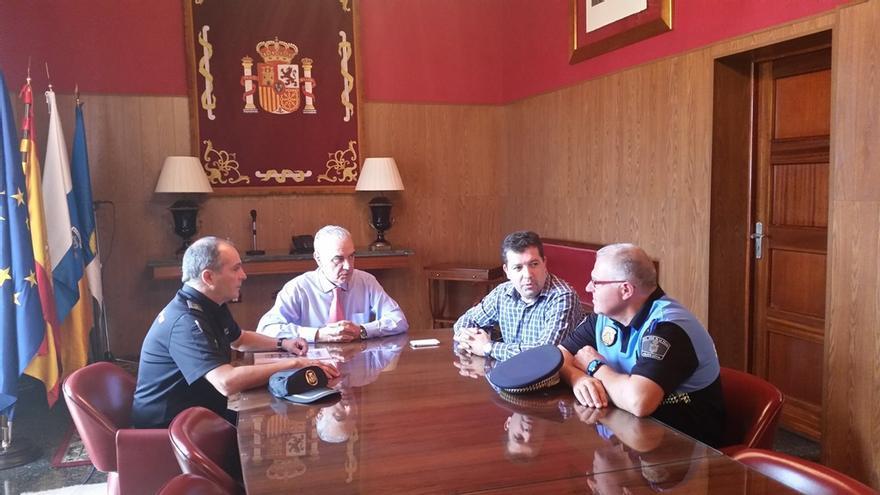 En la imagen, reunión celebrada este martes en la sede insular de la Administración General del Estado.
