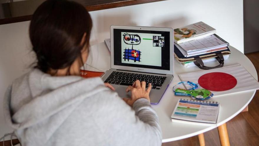 Uno de cada tres empleados en España podría teletrabajar, según CaixaBank .