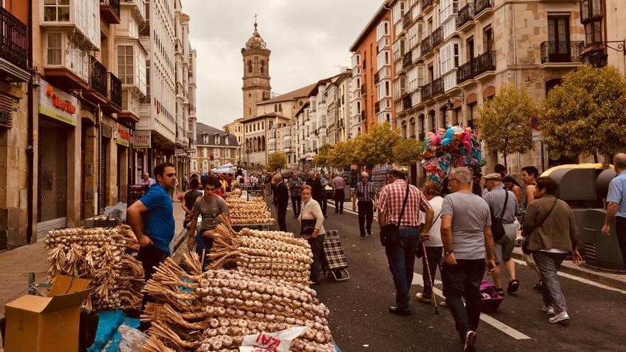 Mercado de ajos en Vitoria
