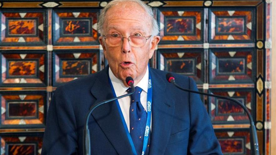 Marcelino Oreja, premiado con la medalla de las rutas culturales del C.Europa