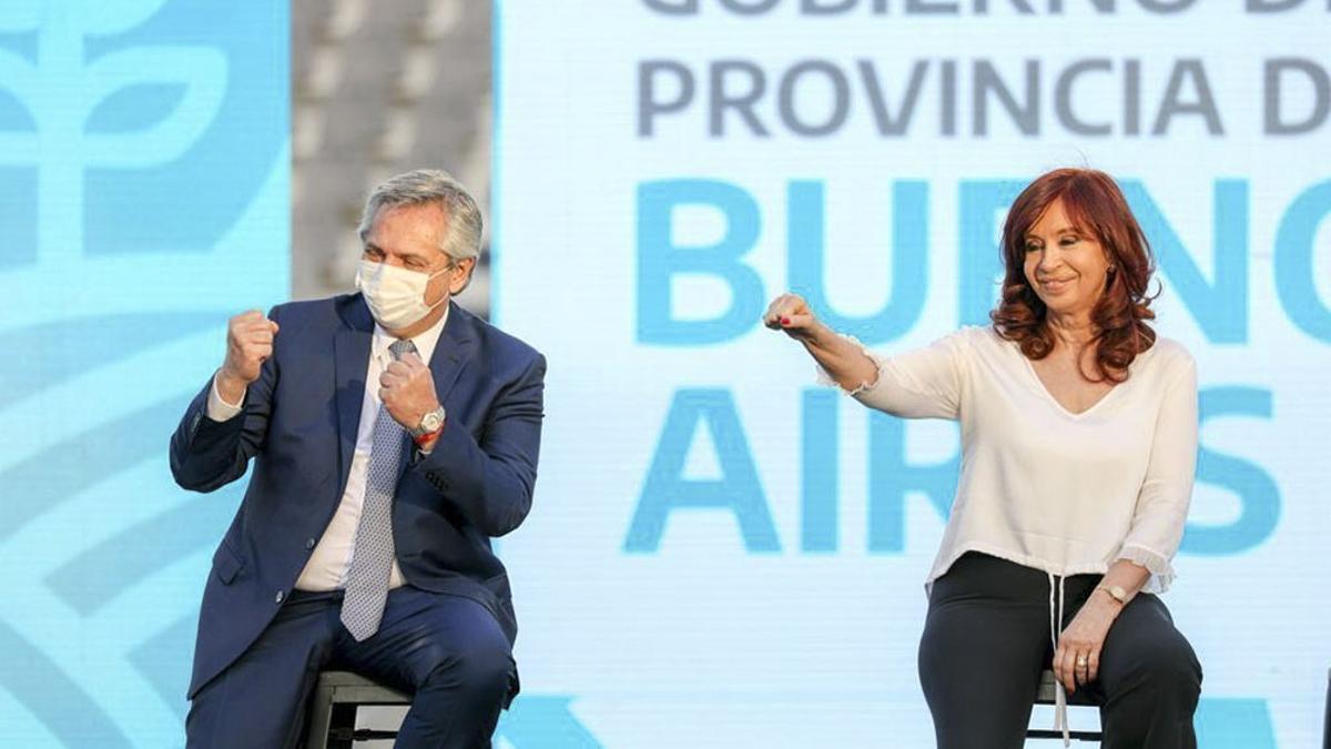 El Presidente y la vice, en el acto de La Plata el 21 de diciembre pasado.