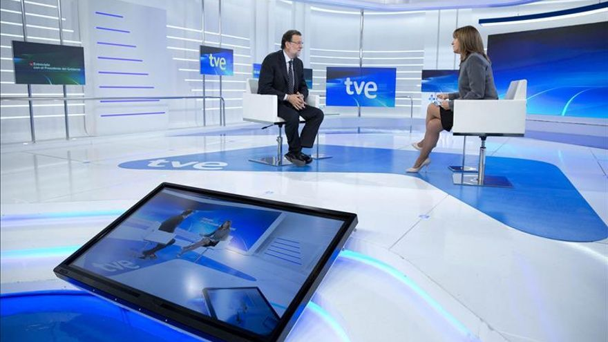 Rajoy y Ana Blanco durante la entrevista en TVE.
