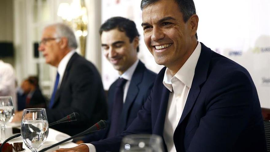 Rajoy y Sánchez se reunirán mañana ante los pasos para celebrar un referéndum