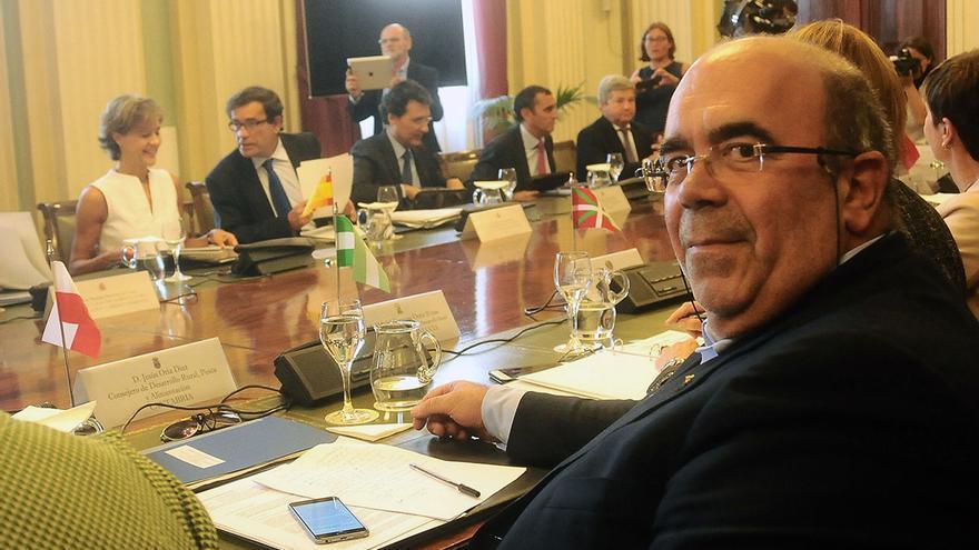 El consejero de Medio Rural, Pesca y Alimentación, Jesús Oria, durante la reunión mantenida el 3 de septiembre en Madrid