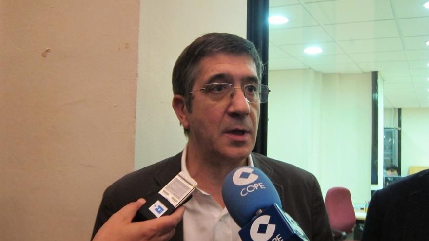 """Patxi López cree que Mas """"no gobierna"""" para la sociedad catalana y que la está llevando a la """"confrontación"""""""