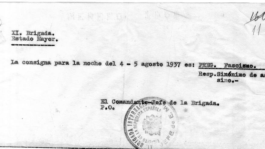 Una consigna como salvoconducto en agosto del 37.