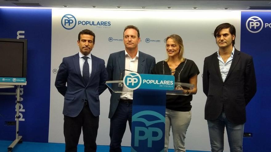 """PP presentará en Bilbao una ordenanza para prohibir 'ongi etorris' y """"limpiar"""" la Villa del """"terrorismo de cartelería"""""""
