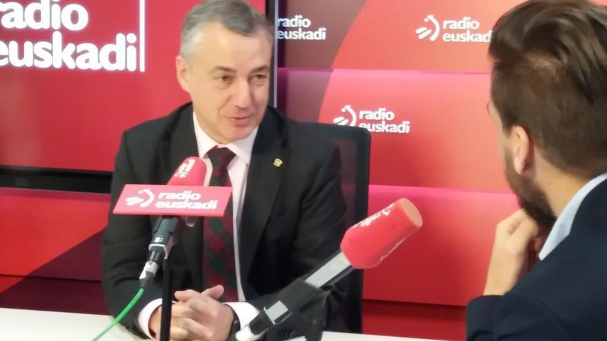 """Urkullu dice a Puigdemont que, para """"para dirigir un país, hay que estar presente"""", y apuesta por """"romper bloques"""""""