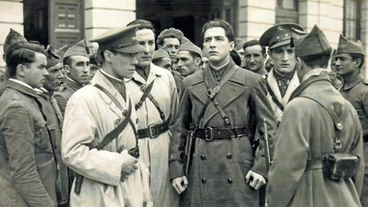 José Baviera caracterizado como Fermín Galán en una de las escenas de la película.