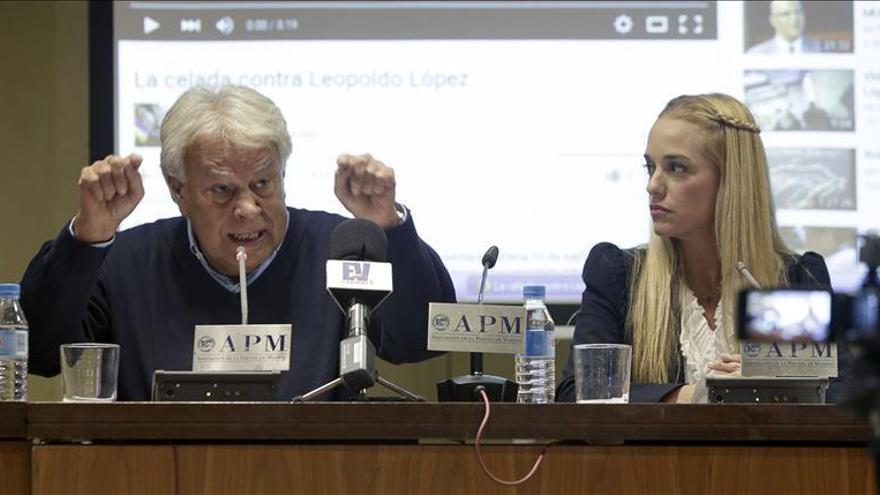 Tintori denuncia el linchamiento político a López y pide participar en comicios