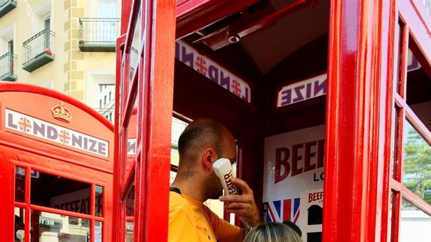 Pequeños negocios se instalan en las icónicas cabinas rojas del Reino Unido