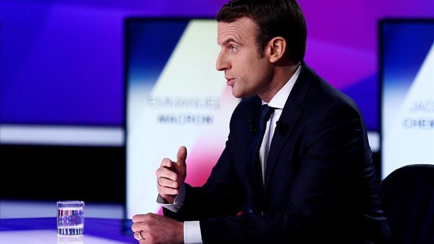 """Macron: """"En la construcción europea, unos pocos países arrastran al resto"""""""