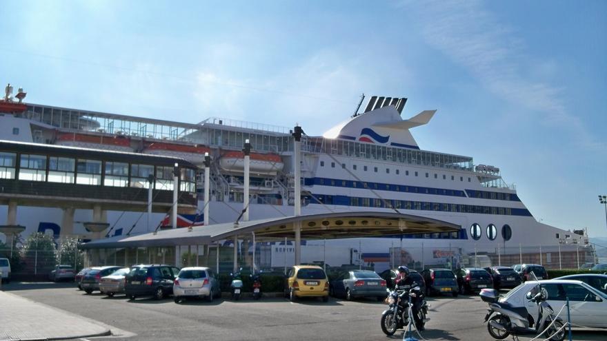 La pérdida de la línea de ferry con Irlanda centra este lunes el Pleno del Parlamento