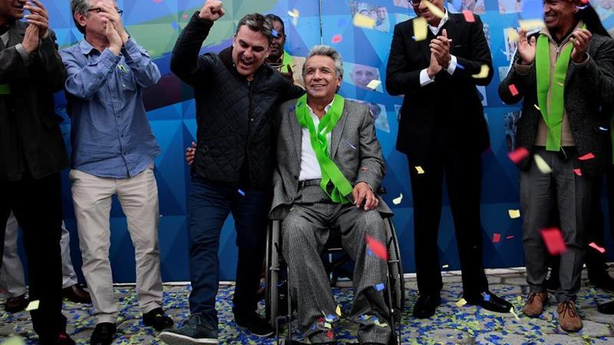 Moreno trabaja en la transición del Gobierno y Lasso prepara la impugnación en Ecuador