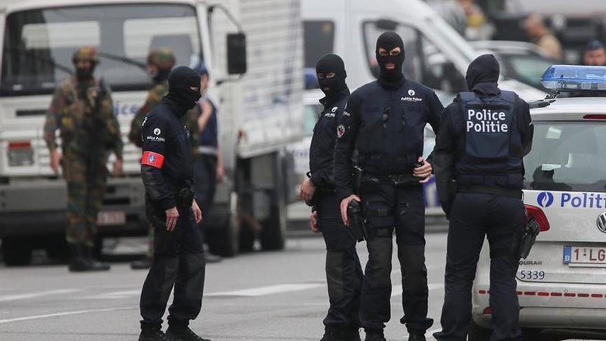 Entre 3.000 y 5.000 yihadistas podrían regresar a Europa según el ministro belga del Interior