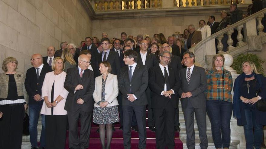 Tres expresidentes de Parlament reúnen el soberanismo para apoyar a Forcadell