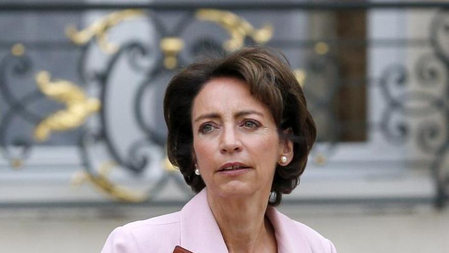 Una ministra francesa pide movilizarse contra la reforma del aborto en España