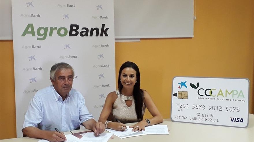 CaixaBank y Cocampa firman un convenio de colaboración para potenciar el desarrollo del sector primario.