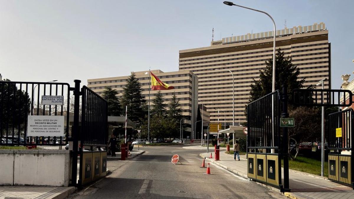 Zona exterior del Hospital Central de la Defensa Gómez Ulla ubicado en el distrito de Carabanchel/Madrid (España).
