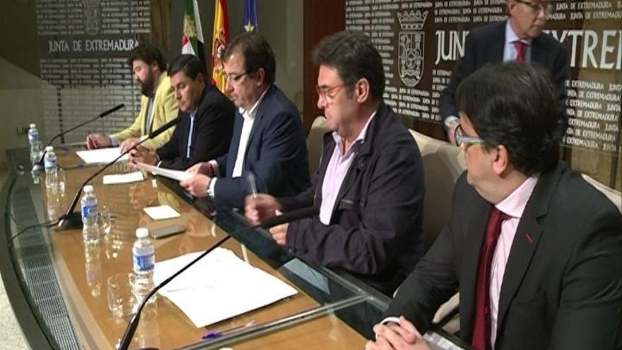 El acuerdo de medidas contra la exclusión en Extremadura incluye la universalización del Sistema Nacional de Salud