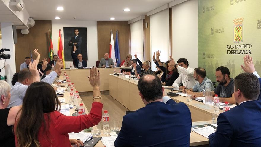Torrelavega disuelve el Grupo Mixto y Torrelavega Sí y Cs podrán tener secretario a media jornada