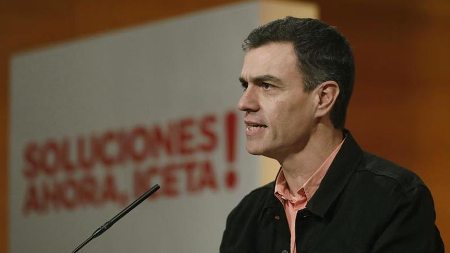 """Sánchez llama a la movilización y al voto a Iceta: """"Si tú no vas, ellos se quedan"""""""