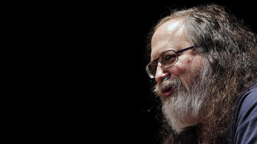El creador de Linux critica a las universidades por imponer uso de software privativos